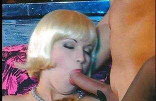 Blonde milf haben sex beim ältere damen pornos entspannen am Strand,