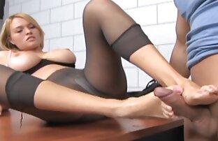 Milf porno-Modell lehren Sie, wie man Blondine mit reife frauen kostenlose pornos einem vibrator