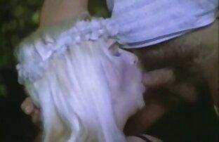 Guy Dick dringt in den Mund junger Leute für reife damen pornos ein Stimulans ein