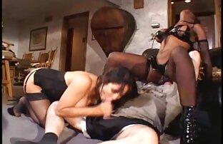 Eine charmante Frau fahren einige pussy, reife milf pornos Ihr Schwanz und Arsch für Ihr Vergnügen