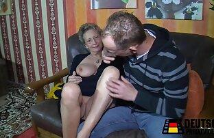 Frau rasiert kostenfreie pornofilme mit reifen frauen und eilte zu seinen Freunden