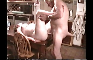 Ein Mann Ihren Arsch vor pornos mit frauen über 50 einem Verlangen Mädchen in einem sexy