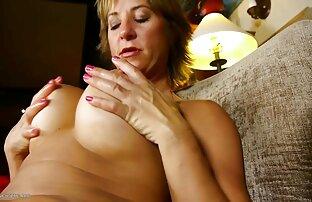 High miss mit großen Titten nimmt eine Banane hakhalya pornos mit reifen damen in den Mund durch den Busch,