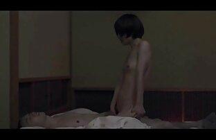 Flexible masturbation pornos reife im Badezimmer