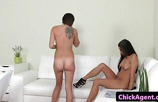 Ein junger porno-Modelle, so dass der Junge zu schmieren Creme auf meinen Körper und spielen kostenlose pornofilme mit reifen frauen mit ihm